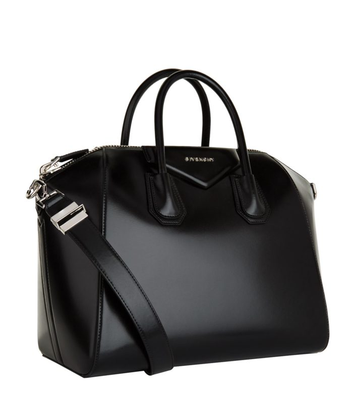 b832ca5d429b The Vegan Givenchy Antigona sports a structured everyday silhouette and  exudes glamour and elegance, as you would expect from a Givenchy bag.